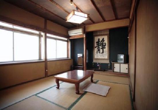 Shizuka Ryokan: 室内1