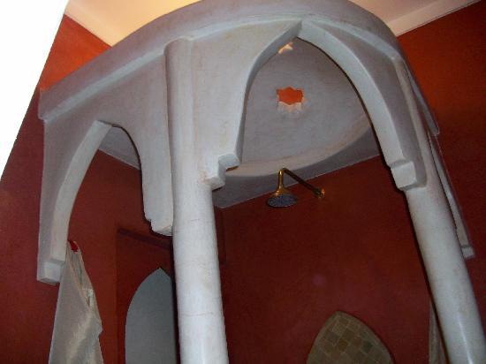 Douche en tadelakt de notre salle d\'eau - Photo de Riad Boussa ...