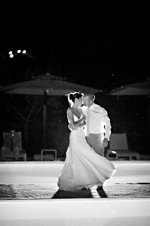 Le Case del Borgo: Romantic dance on the pool runway