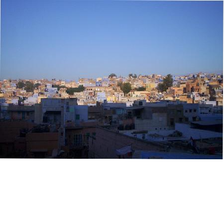 Veggi Guest House: Jodhpur from open restaurant