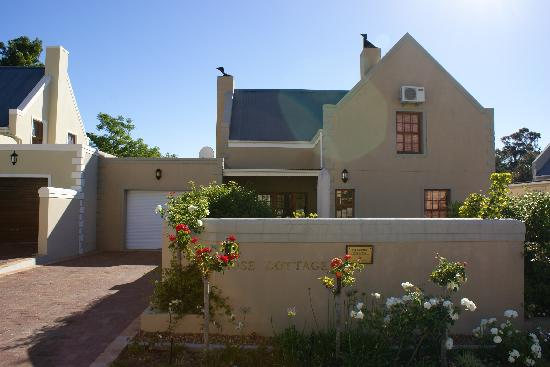 Kruger House Guest Cottages: Front of house - Rose Cottage