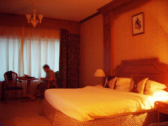 Dubai Concorde Residence Hotel: bedroom