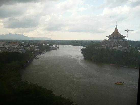 Hilton Kuching: Window view - afternoon storm