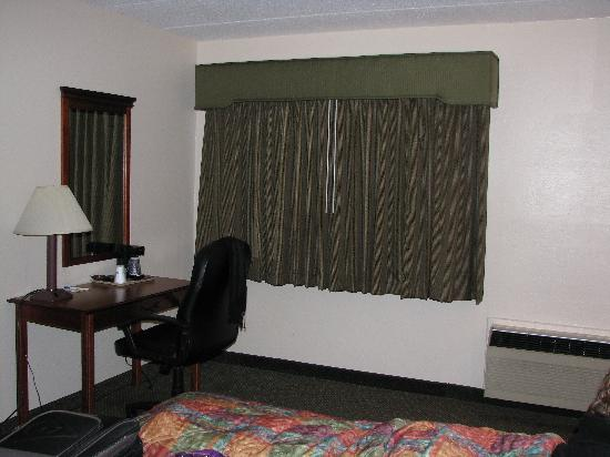 Days Inn New Haven: Bedroom