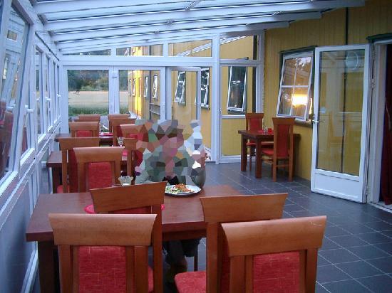 Gardermoen Hotel B&B: Comedor terraza