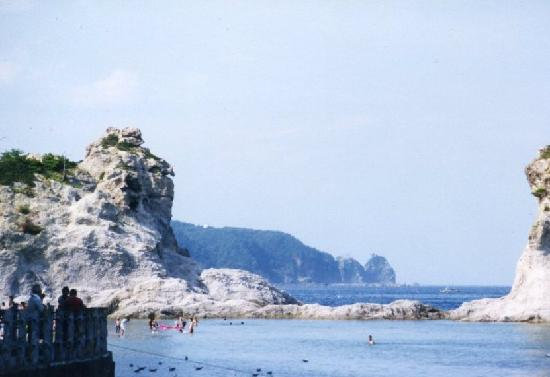 Miyako, Ιαπωνία: なるべく海水浴客を入れないように撮影っと。