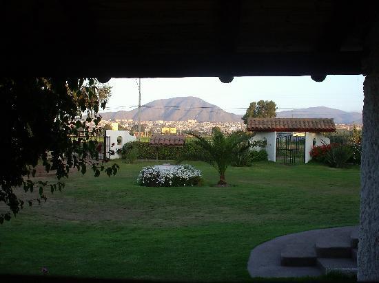Santa Barbara Hotel: vue depuis la salle de bains