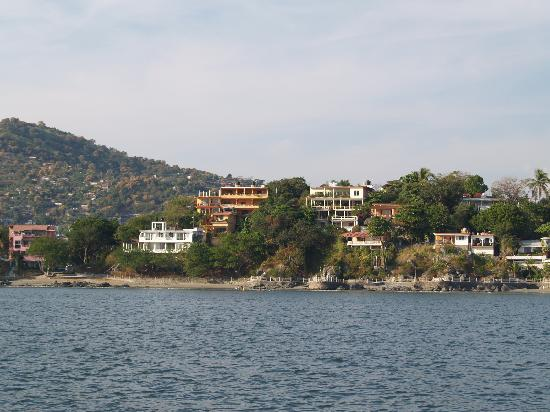 Casa Adriana: Casa A. from the Bay (gold colored)