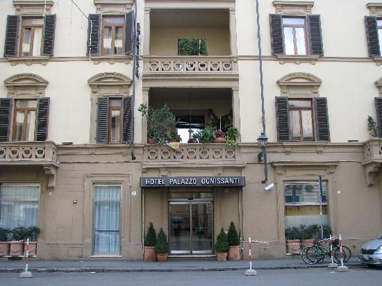 Hotel Palazzo Ognissanti: outside of hotel in day