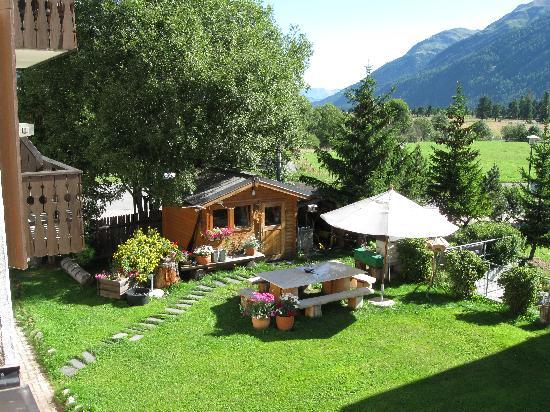 Celerina, Suíça: er wunderschöne Blich aus meinem Zimmer in den Garten