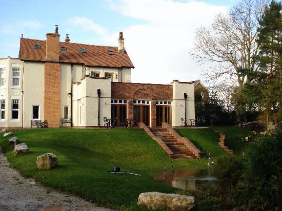 Mere Brook House: House & Pond
