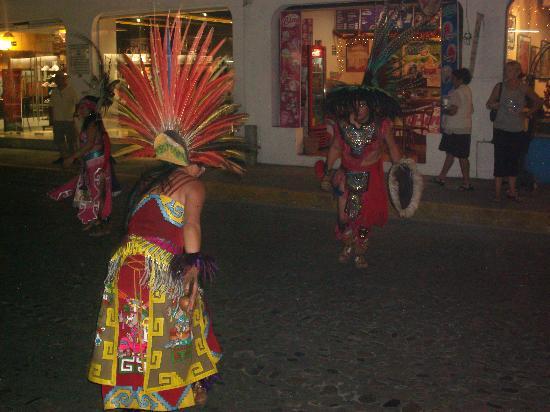 Casa Carole: Street Parade Festival Virgin Guadalupe