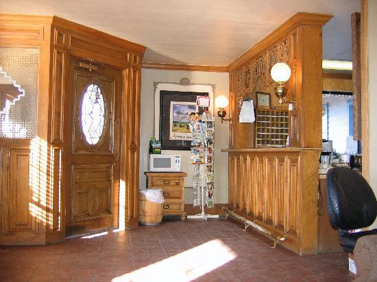 Big Texan Motel : the desk