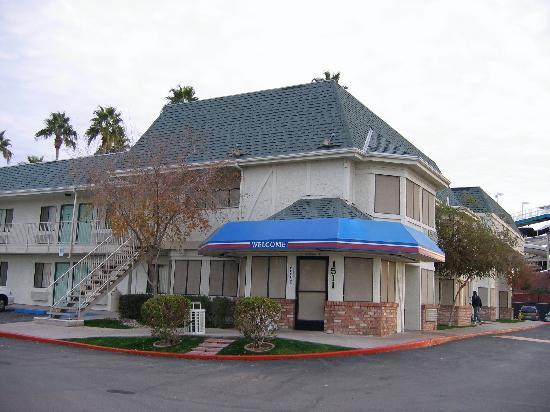 Motel 6 Mesa North : entrance