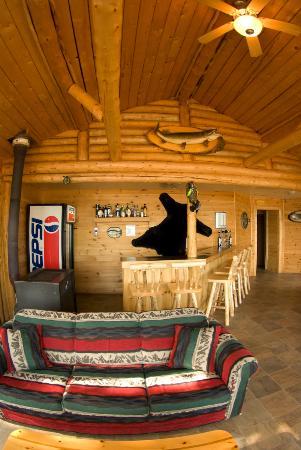 Golden Eagle Lodge: Inside the lodge