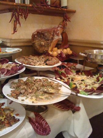 La Famiglia: part of the Antipasta buffet