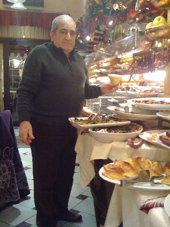La Famiglia: owners attention