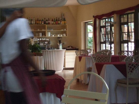 Cafe Balalaika: The inside of the Zoo Cafe