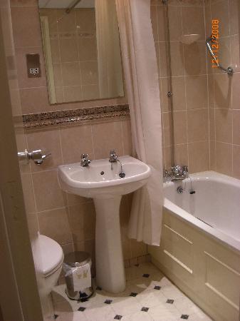 Strathdon Hotel - Nottingham: Bathroom