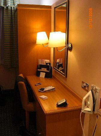 Strathdon Hotel - Nottingham: Bedroom 2