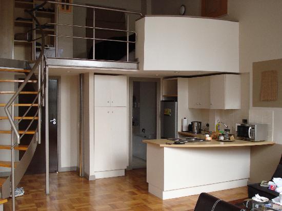 Mountain Magic Garden Suites: Loft Aparment facing kitchen, front door, bathroom and bedroom