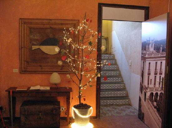 Aiguaclara Hotel: christmassy entrance hall