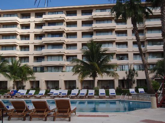 Dreams Puerto Aventuras Resort & Spa: Harbour view rooms