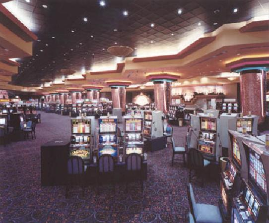 Casino floor - Picture of Ho-Chunk Gaming Wisconsin Dells ...