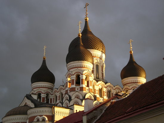 Tallin, Estonia: Nevsky at dusk
