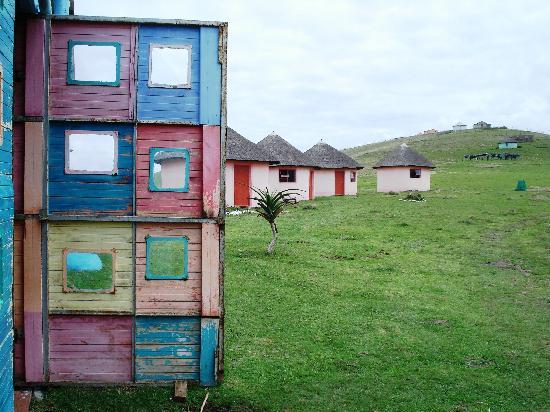 Bulungula Lodge: Lodge Door facing Rondavels (huts)