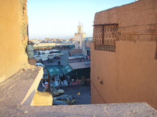 Hotel des Amis: Another roof-top view of Djemaa el-Fna