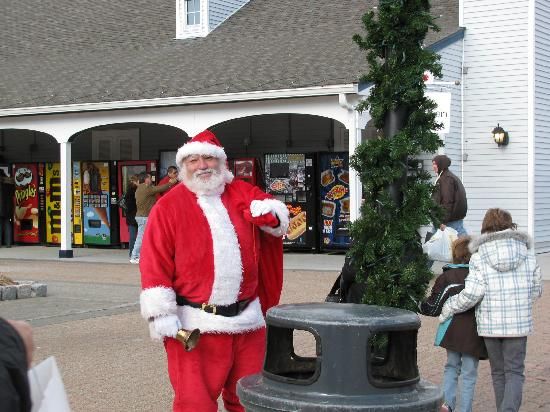 Central Valley, Nowy Jork: santa at woodbury commons