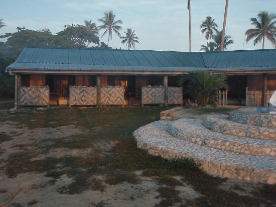 Blue Pango Motel: Half of the rooms at pango