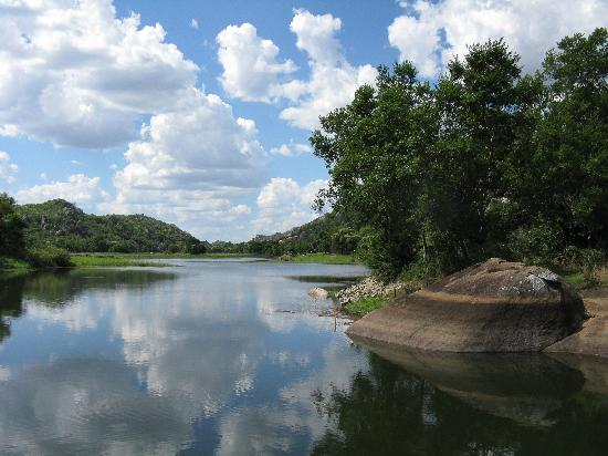 Matobo National Park - The Matopos, Zimbabue: Look over Melame Dam