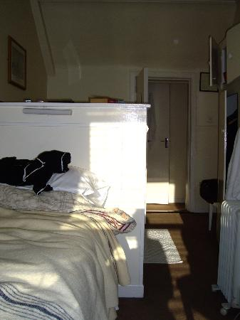 Dergvale Hotel: Attic room with two single beds