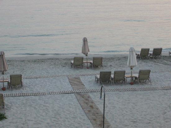 Sani Asterias: beach