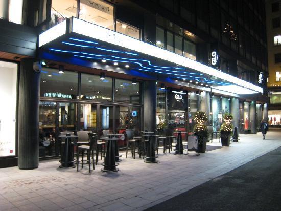 Hotel Glo Entrance By Night Kuva Glo Hotel Kluuvi