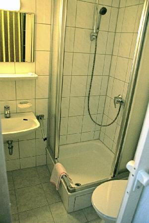 Hotel Find: Bathroom