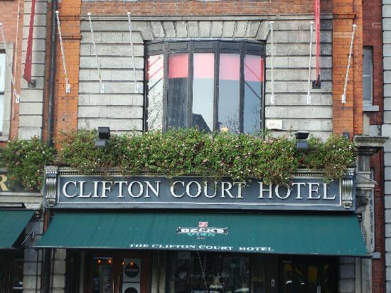 Clifton Court : façade