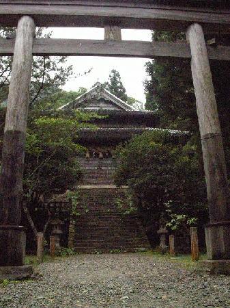 Iwami-Ginzan Silver Mine: Sahimeyama shrine with moss