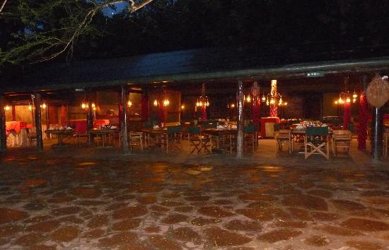 Siana Springs Tented Camp: Restaurant