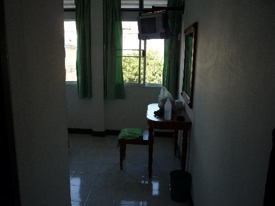 Rambuttri Village Inn & Plaza: Room