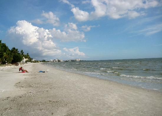 White Cap Suites: Fort-Myers-Beach