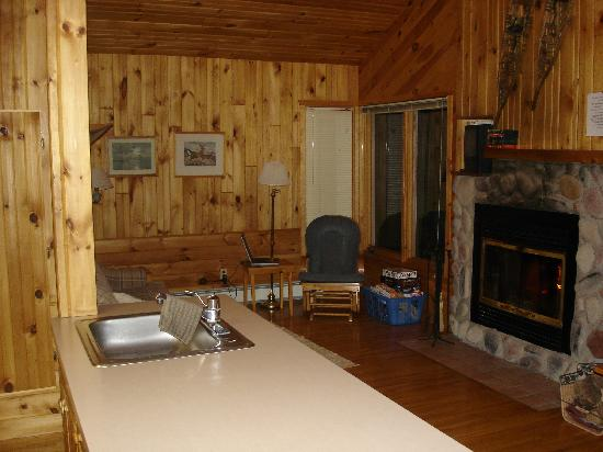 CastleHaven Cabins: Living Room