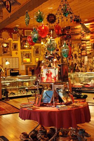 La Posada Hotel: Gift shop and registration desk