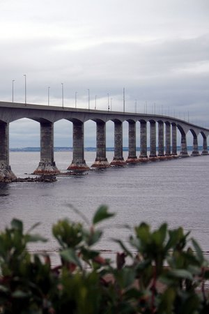 ‪Confederation Bridge‬
