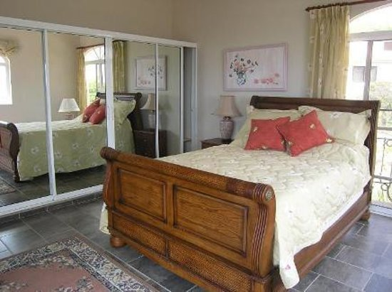 The Crown Villas at Lifestyle Holidays Vacation Resort: bedroom