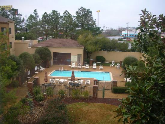 Courtyard by Marriott Spartanburg: Pool