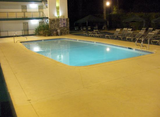 Royal Sun Inn: The Pool