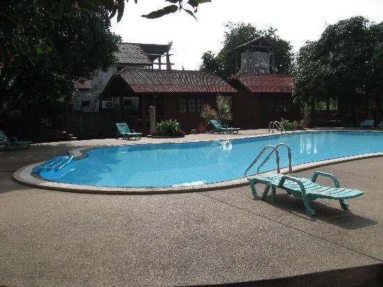 Best Resort: the pool area